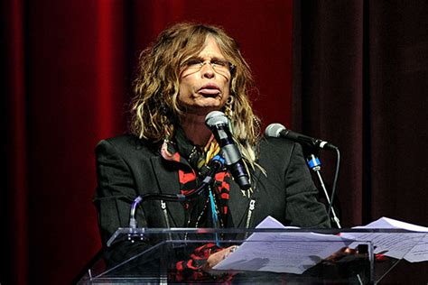 Steven Tyler Admits He Tried Gay Sex But 'Didn't Dig It'